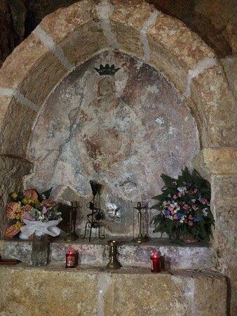 San Vincenzo Valle Roveto, Italy: tracce di affresco