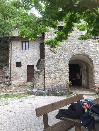 San Vincenzo Valle Roveto, Italie : a circa un chilometro dal paese di San Vincenzo Vecchio si può raggiungere anche da Morrea