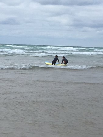 Kingsurf Surf School: Surfing with Kingsurf at Mawgan Porth