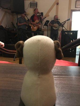 Tory Island, ไอร์แลนด์: Live music