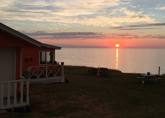 Excellent Canada Day 150 Review Of Warrens Beach Front Cottage Download Free Architecture Designs Viewormadebymaigaardcom