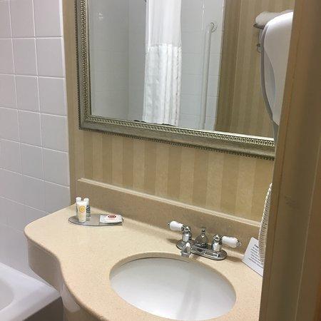 Comfort Inn & Suites Paramus: photo1.jpg