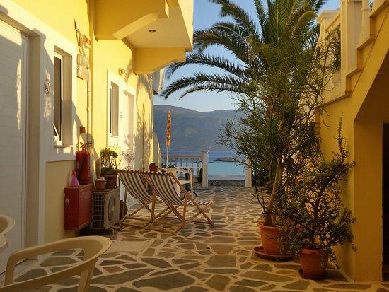 Pigadia, Yunani: vista mare parziale della camera numero 15