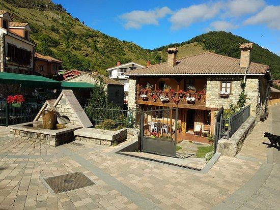 Riano, إسبانيا: Pueblo de Agrovejo