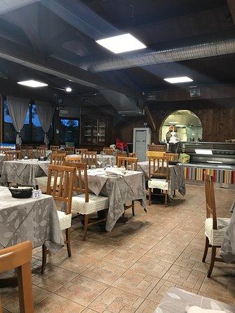 Gudo Gambaredo, Italy: Sala da pranzo