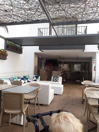 Hotel Neptuno & Apartments: 20180803_111717_large.jpg