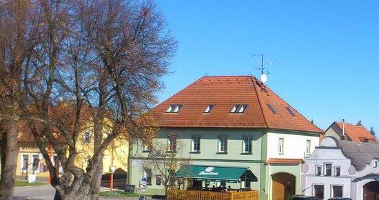 Rabi, Czech Republic: Atawa restaurace Rabí