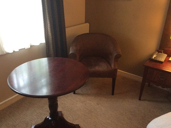 Nice tub chairs and table - Picture of Wallington, Greater London ...