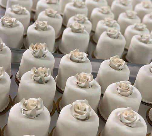 Chaguanas, Trynidad:  Vanilla sponge with toasted almond - Mini Cakes