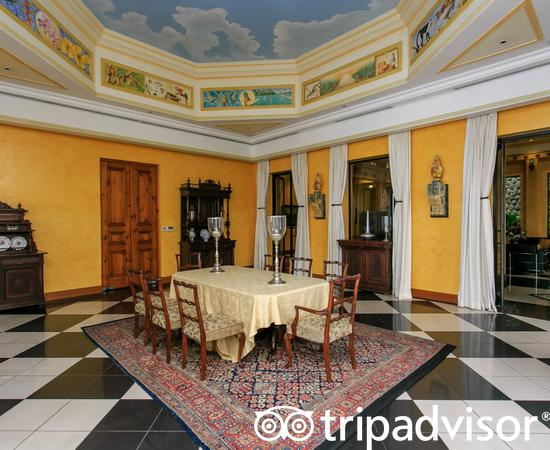 Zephyr Palace Luxury Rental Mansion, hoteles en Jaco