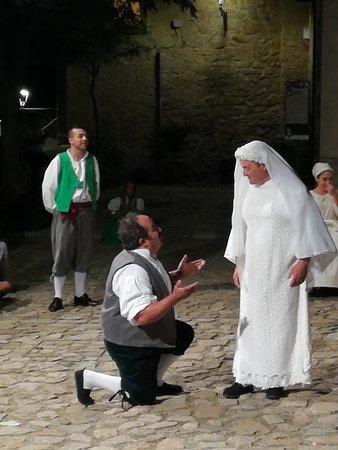 Colobraro, Italy: Una coppia esilarante...