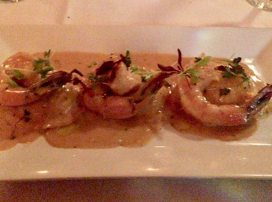 Ellias, Food & Drink: Ravioli, shrimp, sambuca sauce