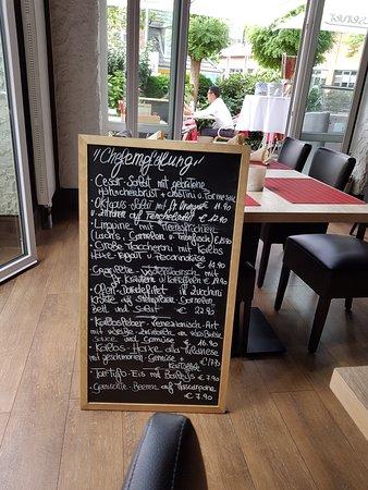 Bargteheide, Niemcy: Tagesgerichte auf der Schiefertafel