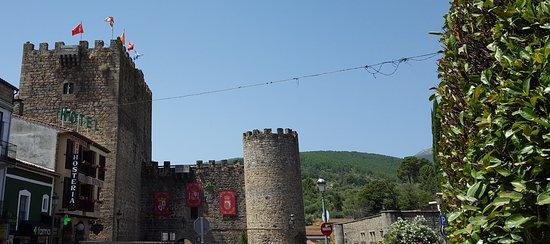 Castillo de Don Álvaro de Luna: 20180808_235618_large.jpg