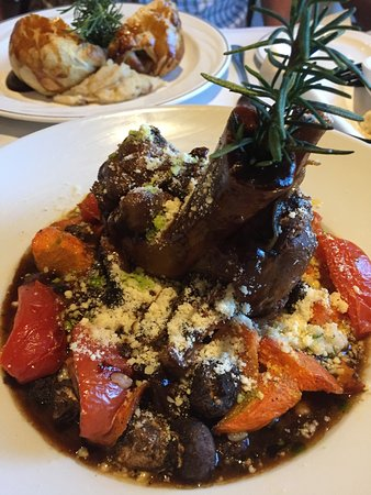 The Brentwood Restaurant & Wine Bistro: To die for Osso Bucco !!!