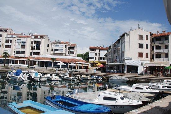 Cervar Porat, Kroatia: Blick auf den Hafen