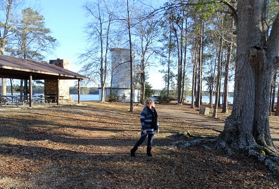 Wind Creek State Park: Good Public Group Facilities