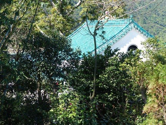 Lantau Trail: Tai Tong Tsai-Tempel / -Klöster (1)
