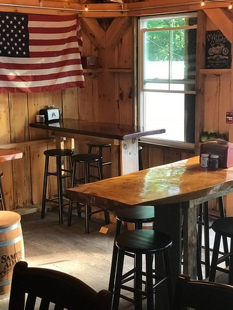 Ossipee, NH: Beer Barn more seating