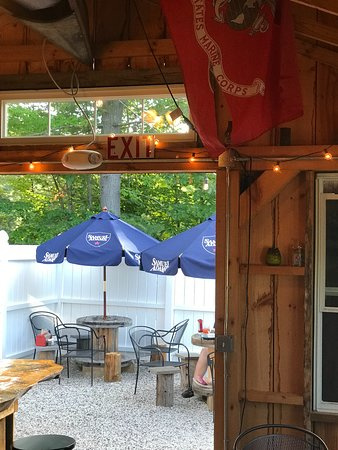 Ossipee, NH: Outdoor seating plenty of it!!!