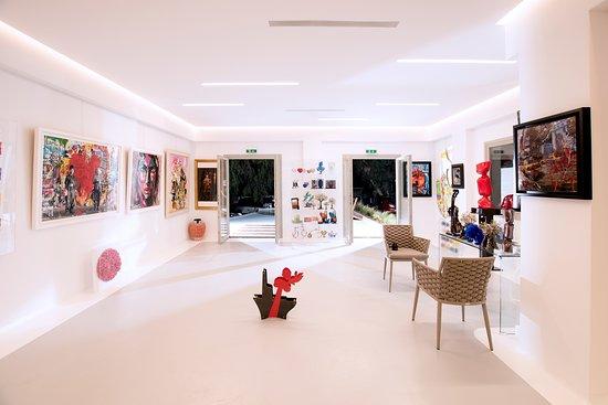 Kapopoulos Fine Arts Paros Gallery