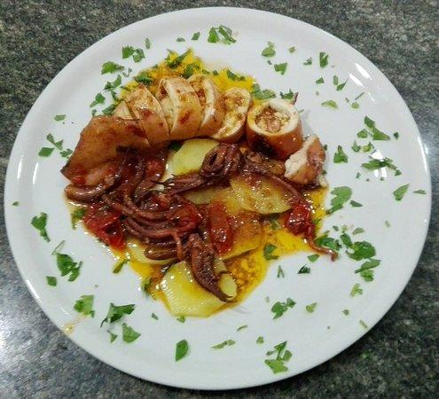 Montecorice, Italie : Bellissimo ristorante vista mare, ho mangiato una loro specialità, totano imbottito, ottimo!