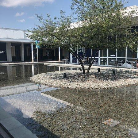Oakbrook Center: photo2.jpg