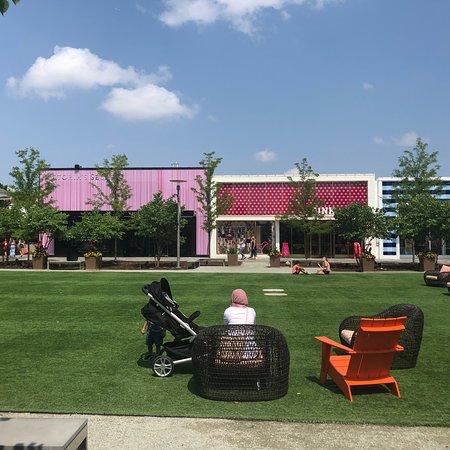 Oakbrook Center: photo4.jpg
