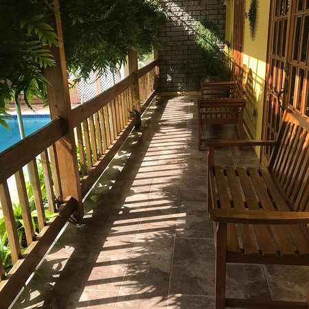 Tunapuna, Trinidad: Photos of the beautiful and immaculate where we stayed for 12 days. This is my home base for fut