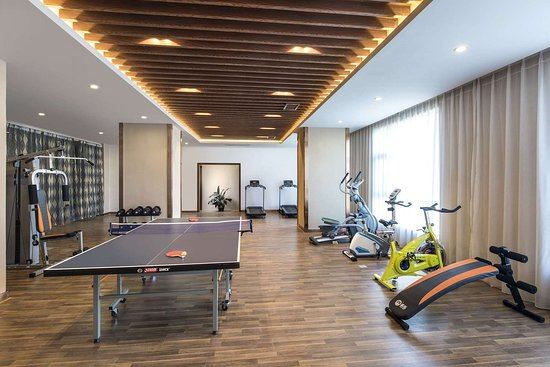 Huize County, China: Health club