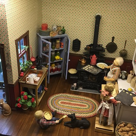 The Great American Dollhouse Museum: photo2.jpg