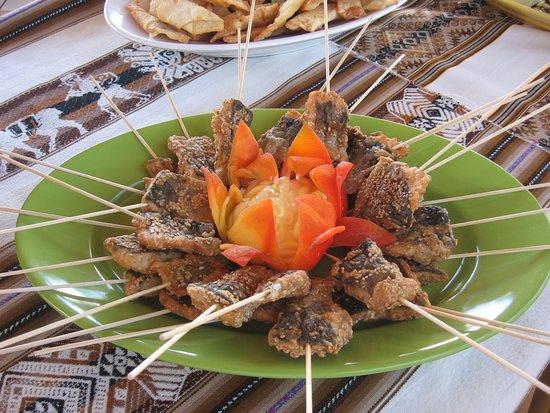 Sicuani, Peru: Disfruten de nuestro buffet en un ambiente extraordinario.