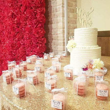 Thank You For Trusting Pariscoguam To Do Your Wedding Cake And Macaron Wedding Favors Picture Of Patisserie Parisco Tamuning Tripadvisor
