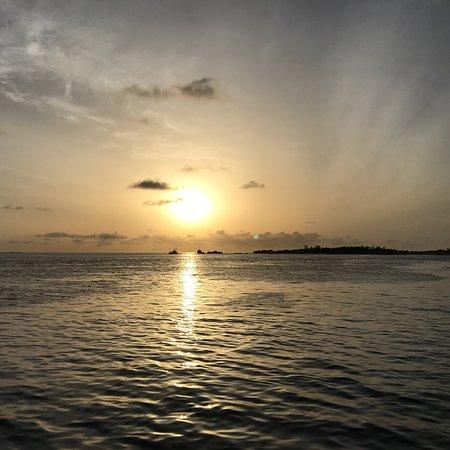 Thulusdhoo Island: photo3.jpg