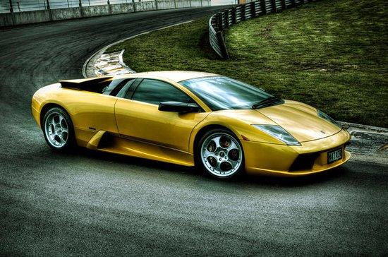 Dirija um Lamborghini Murcielago...
