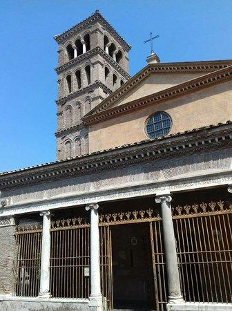 Una Basilica ..quasi nascosta ...