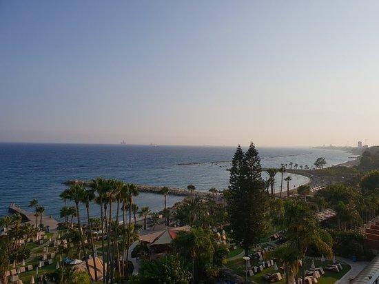 Amathus Beach Hotel Limassol: 20180801_182921_large.jpg