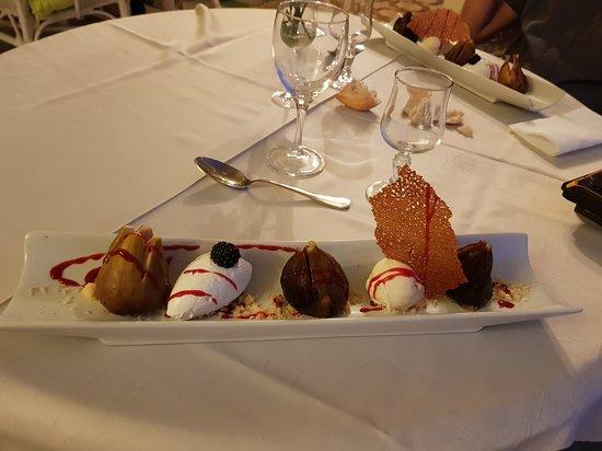 Gimont, فرنسا: dessert figue confites et glace au lait