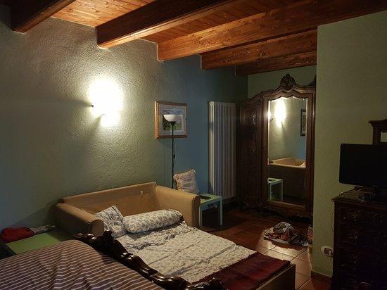 camera da letto stile barocco - Picture of Il Baciass, Pinerolo ...