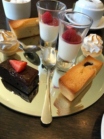 Hinton Charterhouse, UK: Afternoon Tea