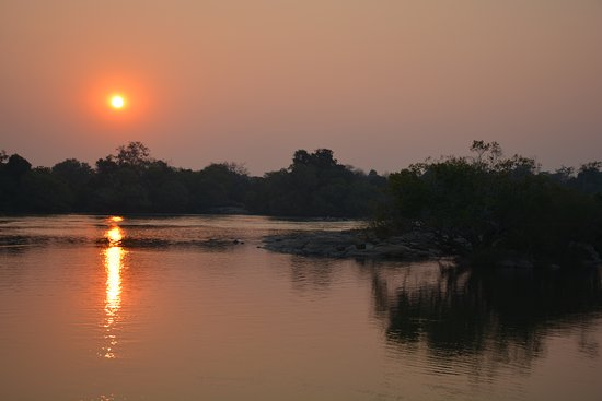 Kafue National Park, Zambia: Sunset over the Kafue river.