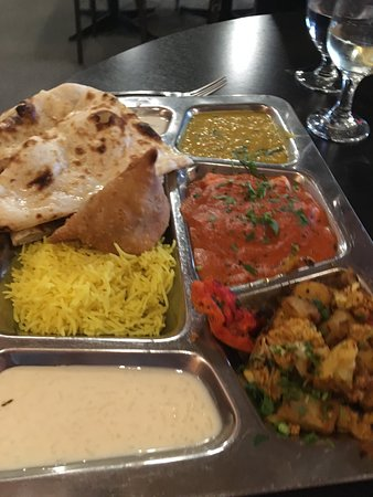 Maurya's Fine Indian Cuisine: Vegitarian Thali