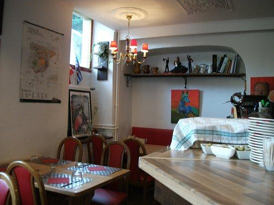 Bistro Podenco: Restaurant interior