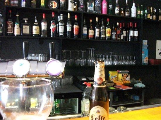 Bistro Podenco: Bar area