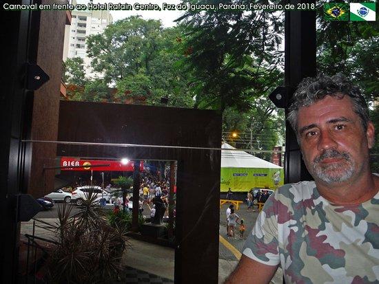 Hotel Rafain Centro: O Carnaval de Foz é em frente a esse Hotel