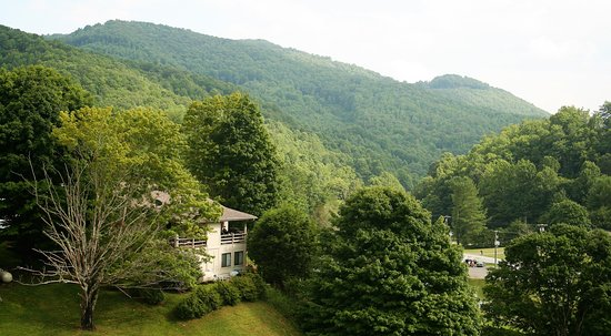 Vilas, NC: Beautiful view of the mountains looking south