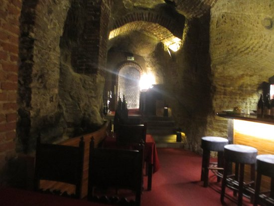 темный зал