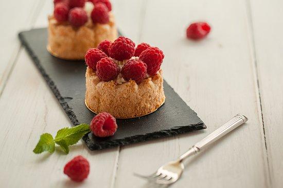 Fortutti: Миндальная тарталетка с ягодами от ФорТутти