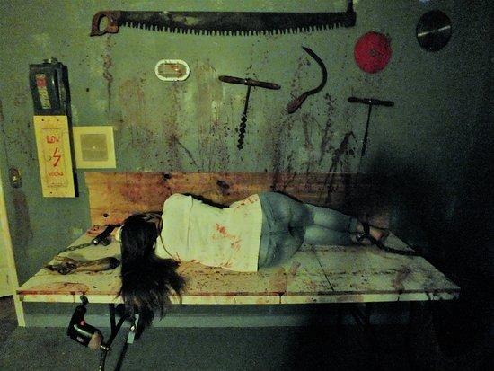 Escape Quest: Cannibal Lair