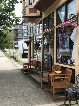 Port Moody, Canadá: The heritage storefront of Silk Art Gallery